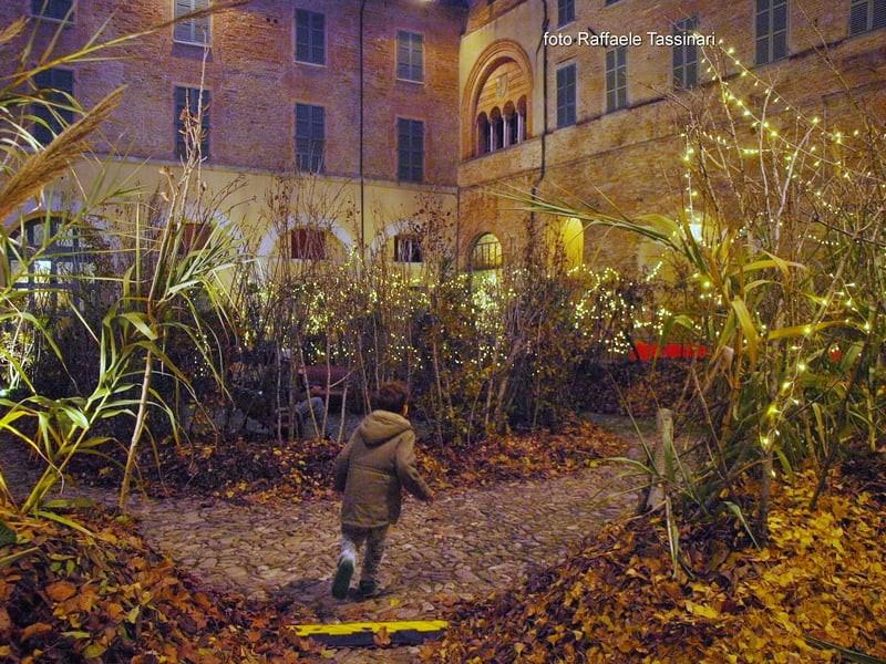 """""""Giardini a Natale"""", giocare e perdersi con la fantasia a Faenza"""