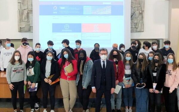 Faenza: il sindaco in classe ad insegnare Educazione civica