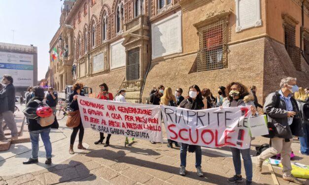 Bologna: sardine e mattoni