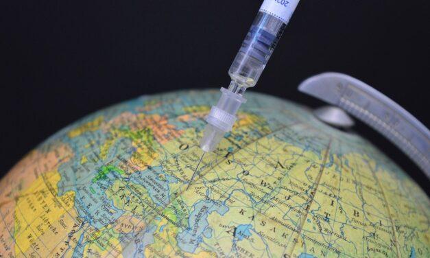 Vaccinazioni al di là della Manica, 24 milioni di persone hanno ricevuto la prima dose
