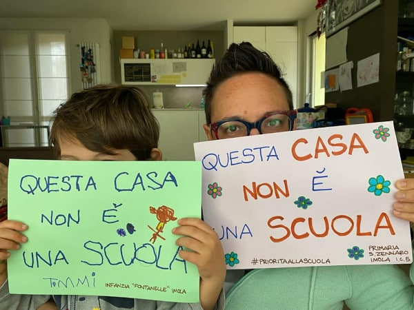 """""""Questa casa non è una scuola"""", una campagna social per la riapertura"""