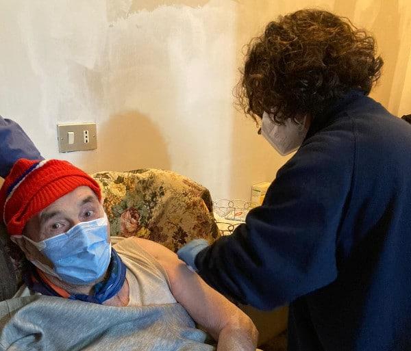 """Vaccinazioni anti-Covid, prenotazioni over 75enni ed """"estremamente vulnerabili"""""""