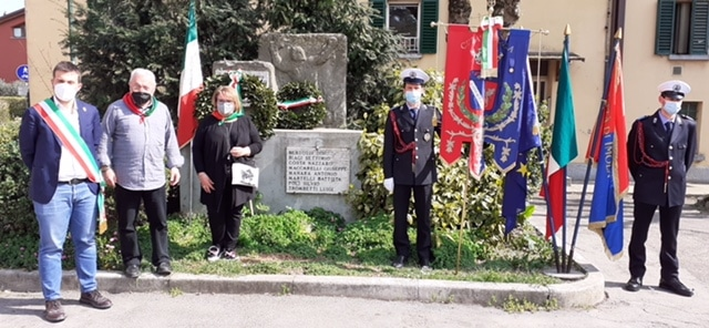 Antifascismo, corone di alloro in memoria dei partigiani di Ponticelli caduti