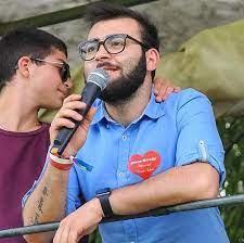 Insulti e sberleffi di Carapia a Ussia in Consiglio; il Pd chiede le scuse alla Lega