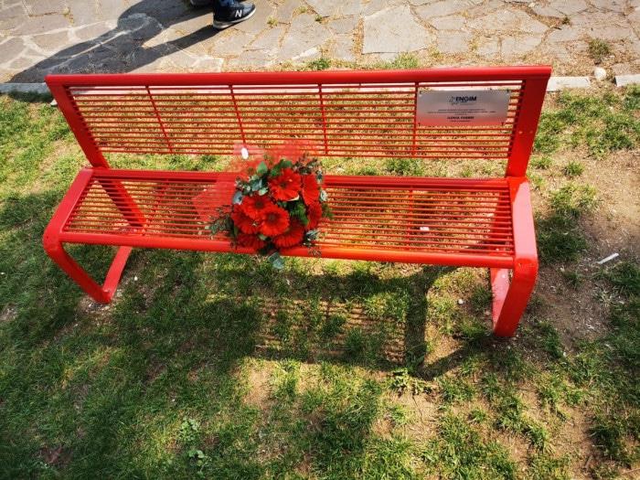 Verona, una panchina rossa in memoria di Ilenia Fabbri e delle vittime di femminicidio