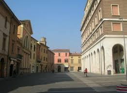 """Naturalmente Imola parte con il mercato agricolo in """"piazza delle erbe"""""""