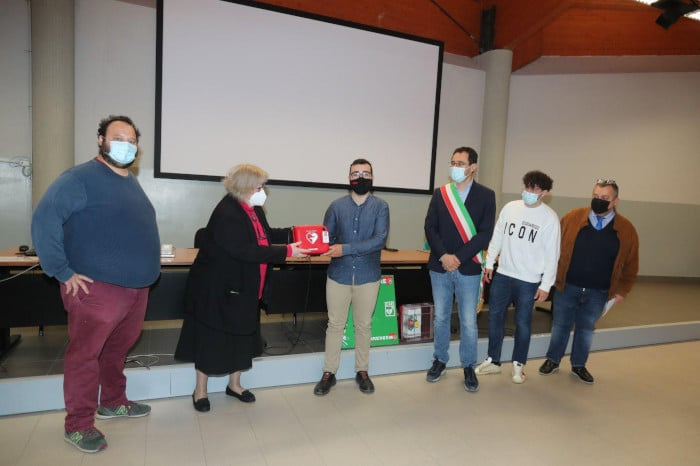 Un defibrillatore per l'Itis Alberghetti di Imola