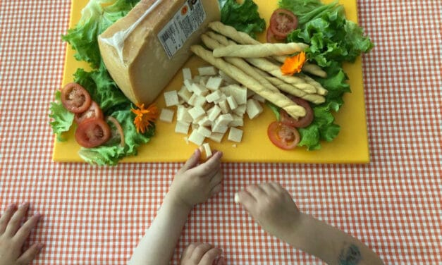 Donati 600 kg di parmigiano agli utenti dei servizi del gruppo Solco