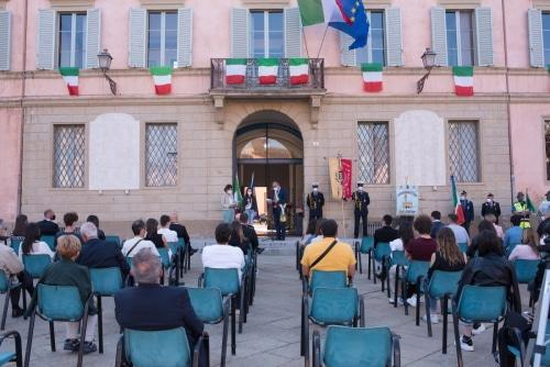 In piazza a Castello la consegna della Costituzione ai 18enni nel 2021