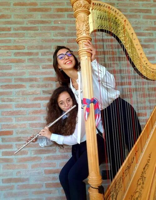 La musica del Duo Psiche, flauto e arpa, nel Giardino storico del Palazzo Vescovile