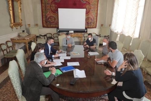 Il comitato Lennon-Curie consegna 935 firme contro la nuova strada