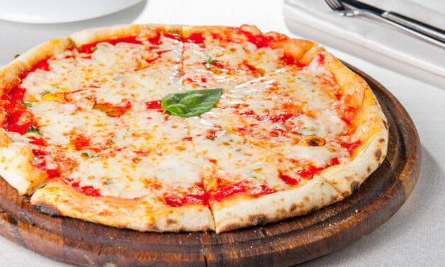 Si era messo in malattia da operaio e faceva il pizzaiolo, scoperto dai carabinieri