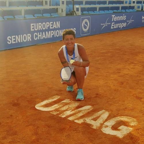 Tennis, Silvia Sanna oro nel doppio agli Europei dai 50 ai 54 anni ora pensa ai Mondiali
