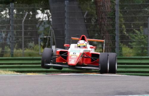 All'autodromo il sesto Aci Racing Weekend stagionale con 14 gare in programma