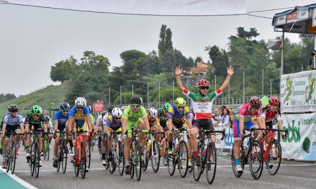 Ciclismo, il Gp Fabbi Imola all'autodromo con oltre 900 ragazzi in gara
