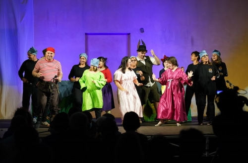 Successo di pubblico per lo spettacolo dei ragazzi dell'Officina Sant'Ermanno