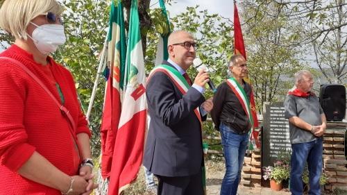 In tanti per ricordare partigiani e civili caduti 77 anni fa a Ca' di Guzzo