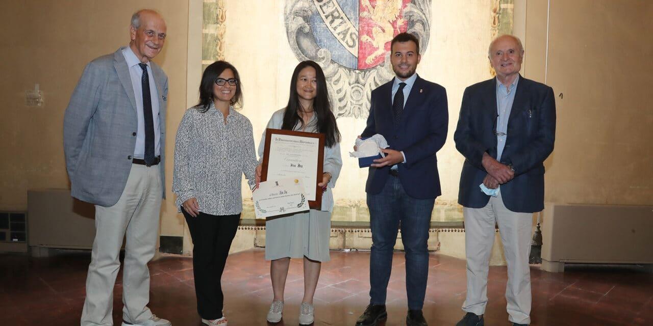 """Panieri premia Jin Ju docente della Fondazione """"Incontri col maestro"""""""