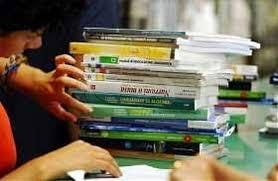Al via le domande di contributi per i libri di testo di scuole medie e superiori