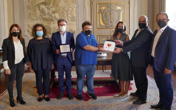 """""""Eco Certificazioni"""" dona un defibrillatore alla città di Faenza"""
