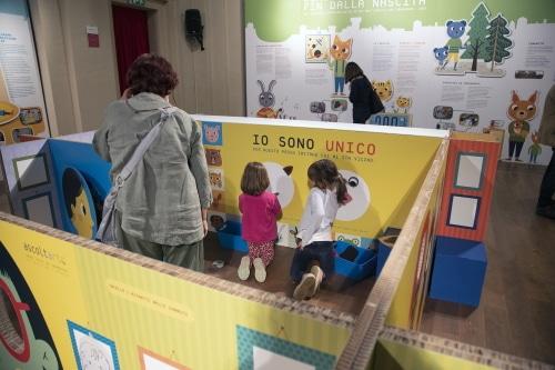 Il 50esimo della scuola dell'infanzia: una mostra a misura di adulti e bambini